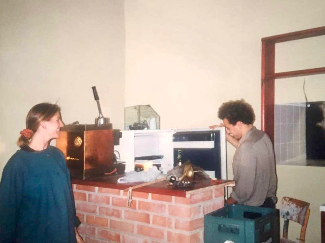 Markéta Rogers and Scott Rogers setting up the kitchen in The Globe Bookstore and Coffeehouse in spring 1993. Holešovice, Prague. Photo courtesy of Scott and Markéta Rogers.