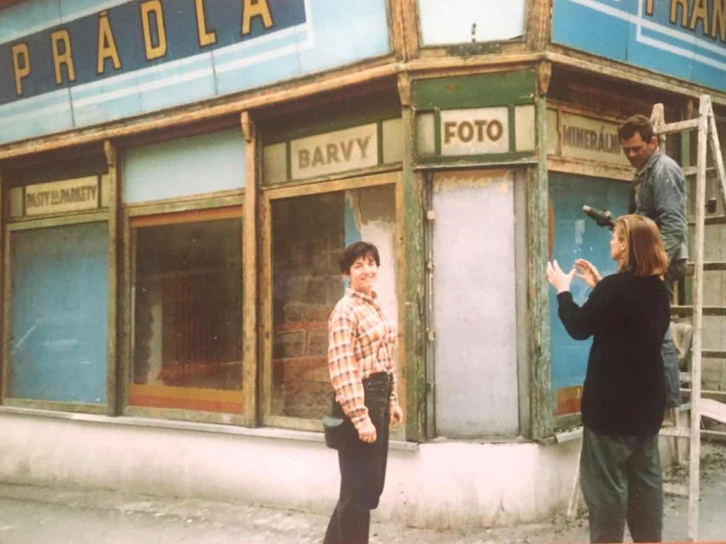 Maura Griffin and Markéta in front of what would become The Globe Bookstore and Coffeehouse during renovations in 1993. Holešovice, Prague. Photo courtesy of Scott and Markéta Rogers.