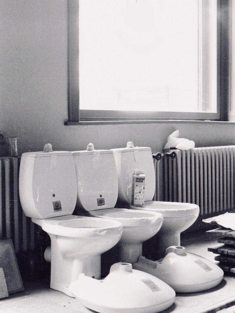 Toilets before installation at The Globe Bookstore and Coffeehouse in Holešovice, Prague. They arrived just days before the opening of the store.