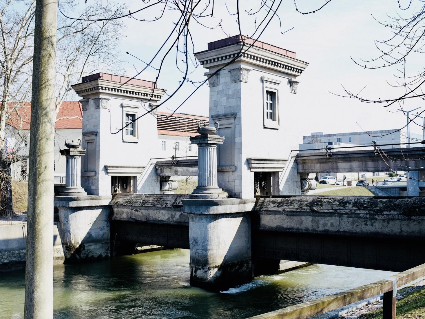 A lock over the Ljubljanica River, designed by Slovenian architect Jože Plečnik, resembling Ancient Roman pillars and architecture, in Ljubljana, Slovenia.