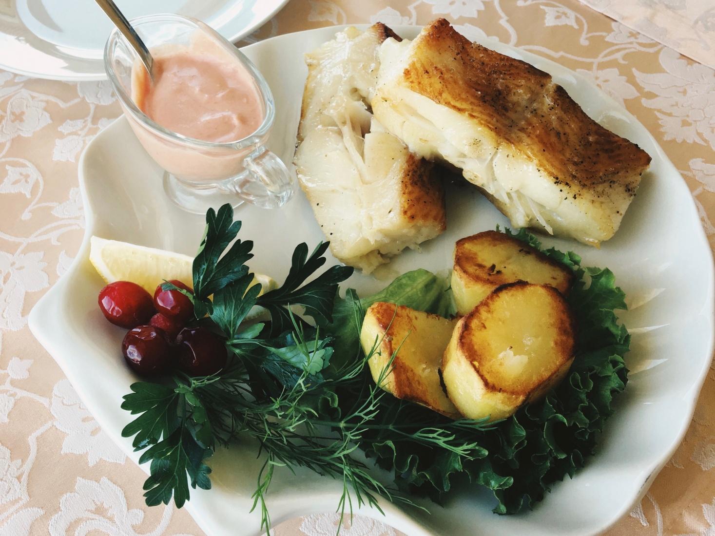 Fish dinner from a restaurant along Svetlogorsk's shoreline, outside Kaliningrad, Russia.