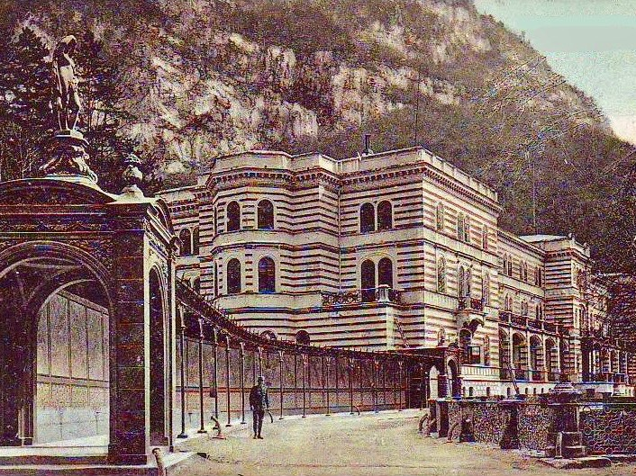 A postcards of the Baths of Hercules in Brașov, Romania, from the early 20th century.