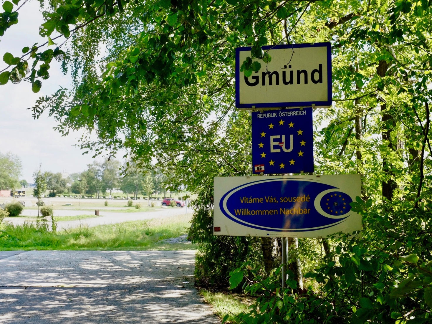 Street sign marking the entrance to Gmünd, Austria.