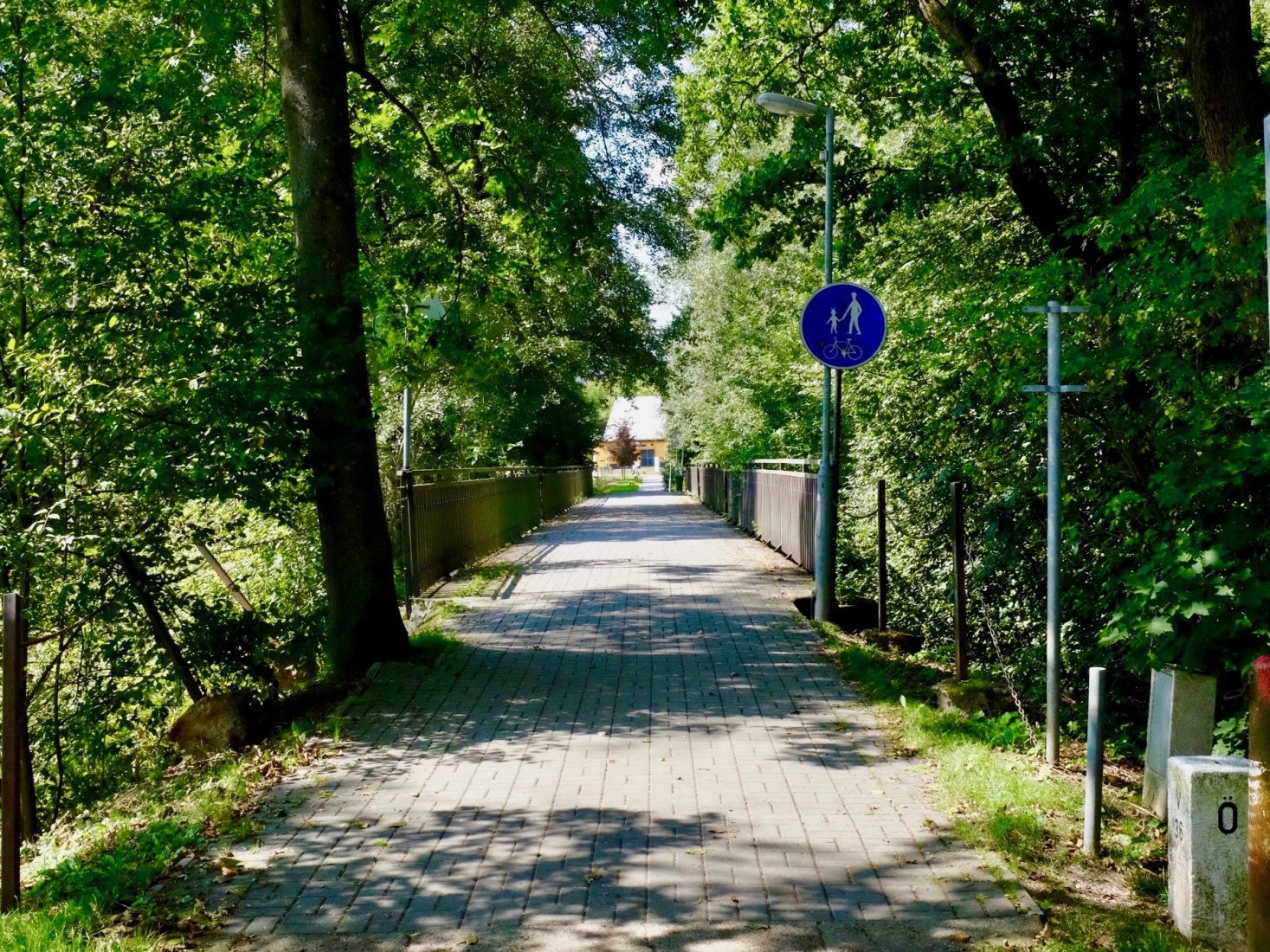 A former narrow railroad, now a hiking and cycling trail, which connects the area around České Velenice, Czech Republic and Gmünd, Austria.
