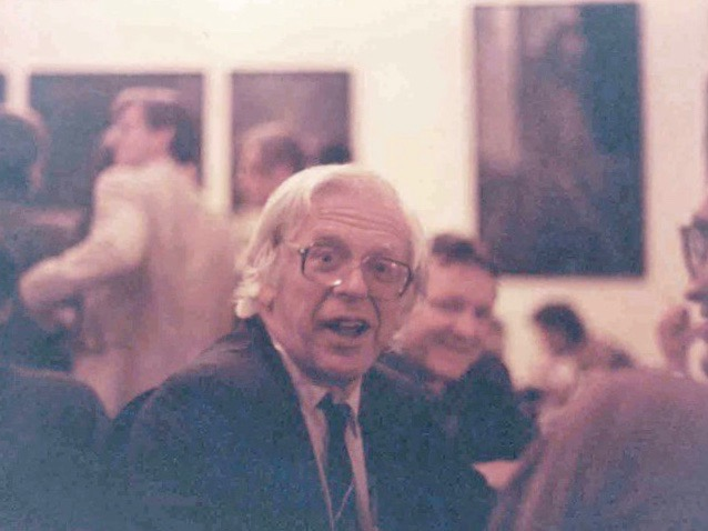Alan Levy, the late Prague Post Editor-in-Chief, pictured here in June 1994 with poet James Ragan, at The Globe Bookstore and Coffeehouse in Prague, Czech Republic.