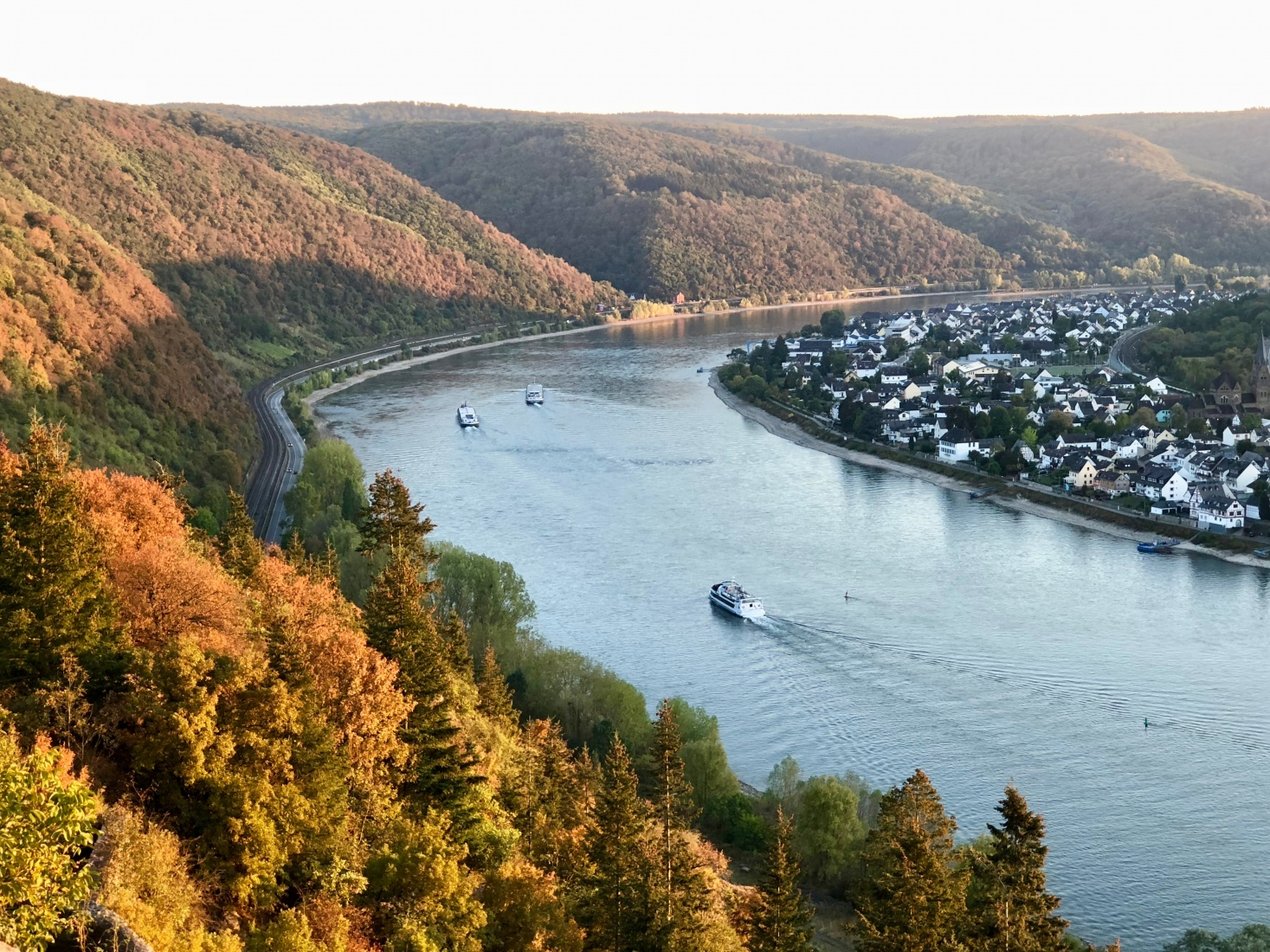 The view over the Rhein from the medieval Marksburg Castle, not far from Koblenz, Germany.